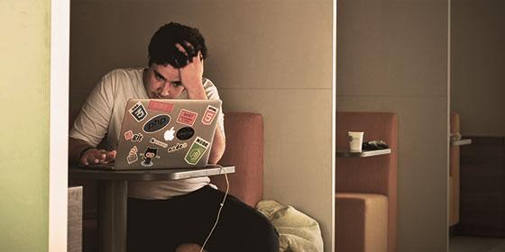 Frustração ao Tentar Ganhar DInheiro na Internet